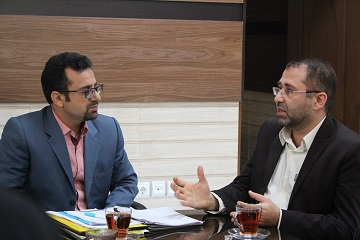 دکتر مظفرپور رئیس دانشکده طب ایرانی و دکتر شهبازی رئیس روابط عمومی دانشگاه علوم پزشکی بابل
